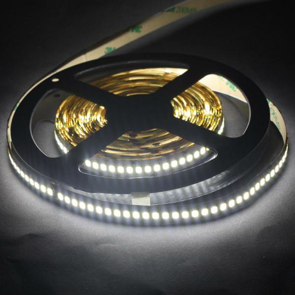 led kche finest elegantes led beleuchtung mit batterie led lichtleiste kche unterbau rgb f kche. Black Bedroom Furniture Sets. Home Design Ideas
