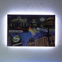 LED Lichtband als Hintergrundbeleuchtung eines Bildes