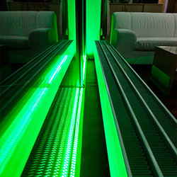 LED Lichtband als Hingucker im Schauhfenster